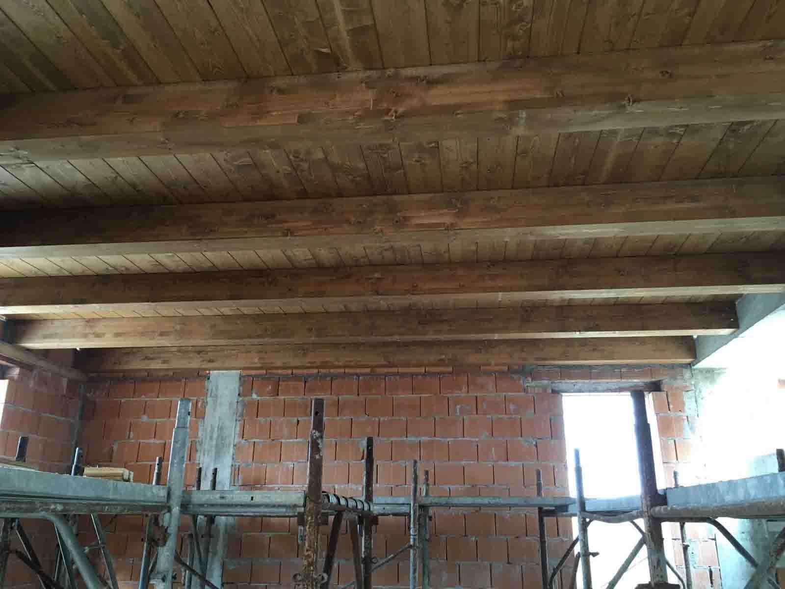 costruzione-nuovo-fabbricato-dettaglio-solaio-in-legno